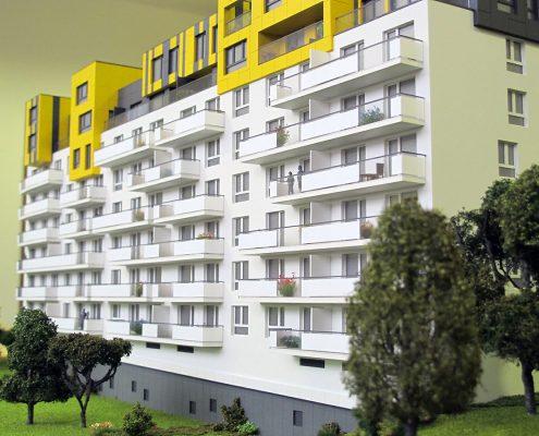 Farebný prezentačný model bytového objektu s nasvietením hlavného objektu modelu