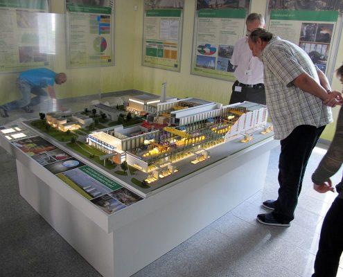 Farebný prezentačný výučbový model priemyselného komplexu so spracovaním vnútorného zariadenia a technológií jadrovej elektrárne