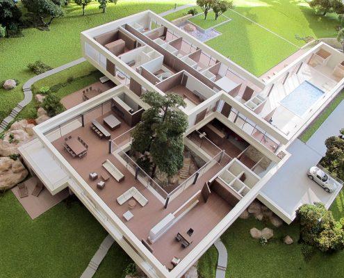 Farebný prezentačný model rodinného domu, s možnosťou odnímania striech objektu