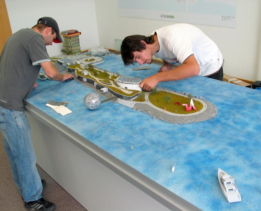 Farebný detailný model galérie umenia v Bratislave - Čunove