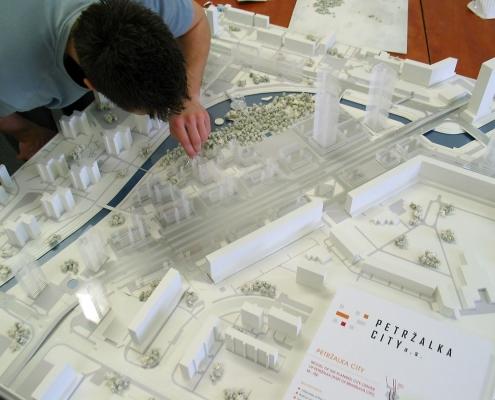 Urbanistický monochromatický model architektonického riešenia mestskej časti v Bratislave – Petržalke