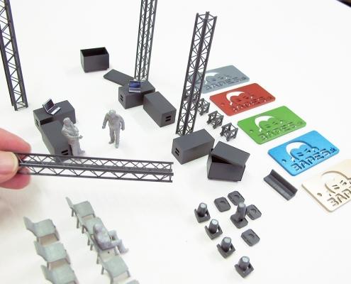 miniatúrne modely prvkov javiskovej scény