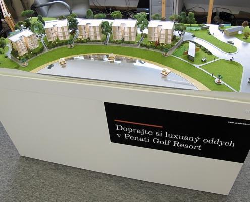 Farebný prezentačný model apartmánových domov PGA snasvietením